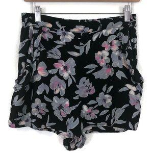 KIMCHI BLUE UO Black Floral ruffle Shorts Pockets